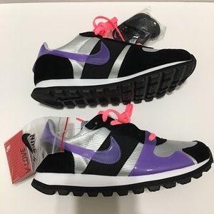 Nike V-love O.X violet/blk womens sneakers 7.5